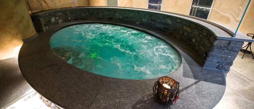 italy_gressoney_sport-hotel-jolanda_jacuzzi2.jpg